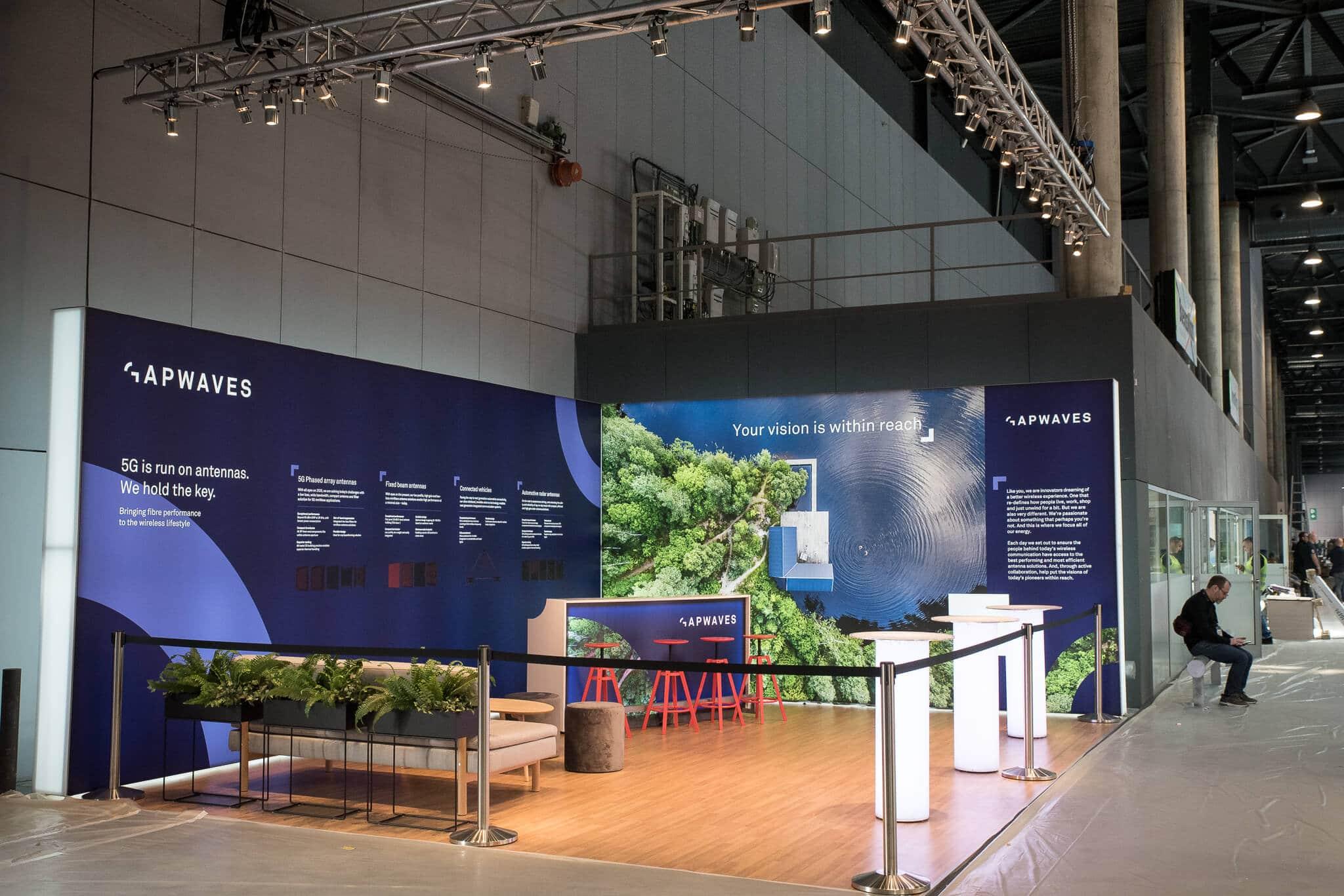 Avspärrningsstolpar Gapwaves Mobile World Congress Barcelona Front Row Exhibitions